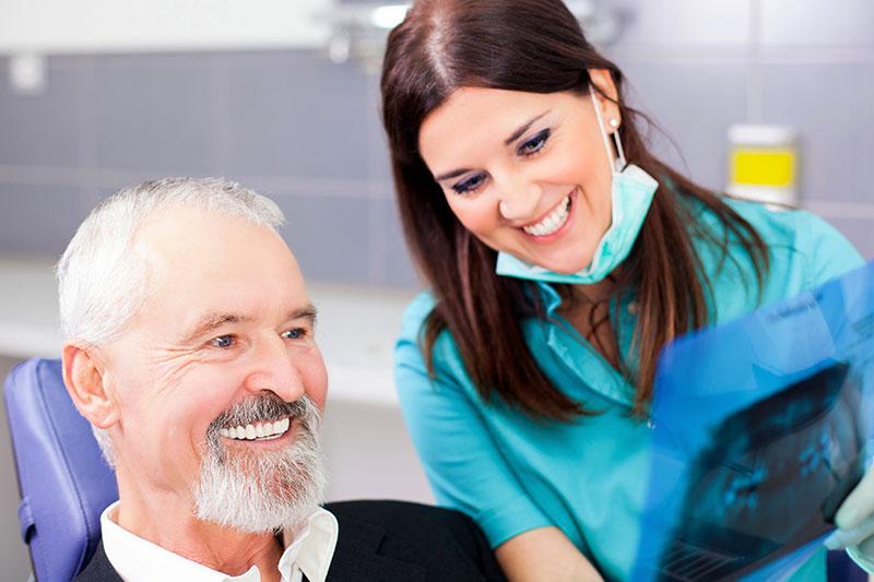 dental implant dentist hollywood